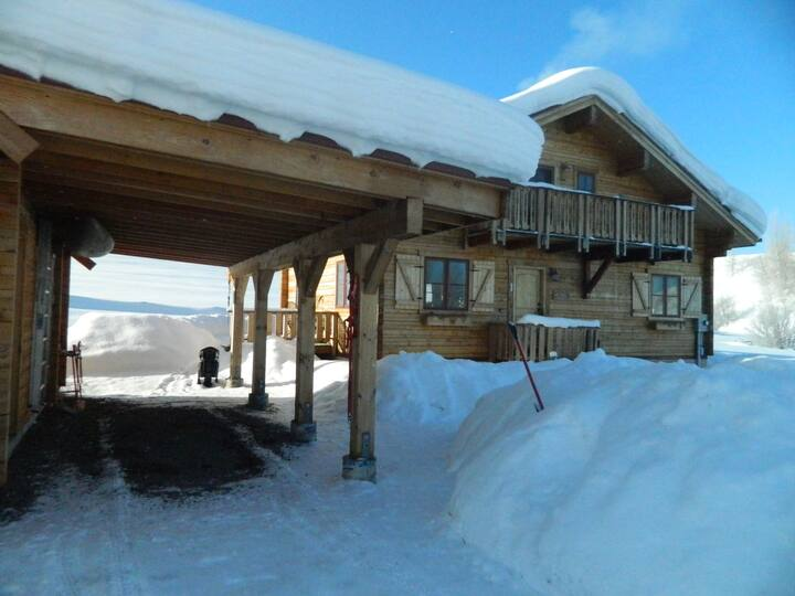 Cozy Home at the Base of Rabbit Ears Pass