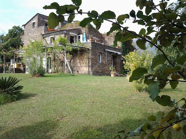 Casa d'anghione appartement au rez de chaussée