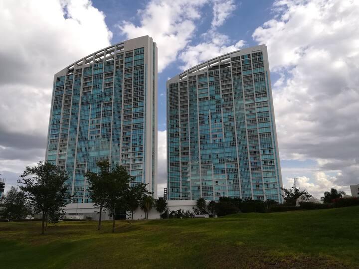 Habitación en condominio de lujo Juriquilla Towers