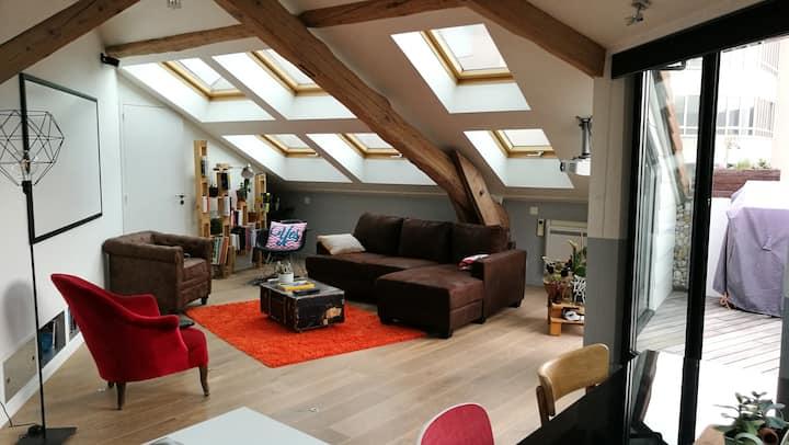 loue chambre dans loft briques/bois