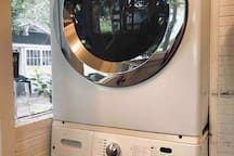 We always appreciate having access to a washer/dryer when we travel.  Feel free to do a load of laundry during your stay.