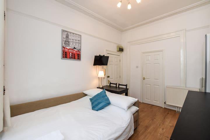 Comfy studio apartment London Camden 2Sq