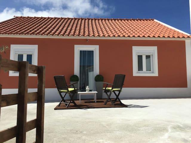 5 Marias Guest House - São Pedro da Cadeira - บ้าน
