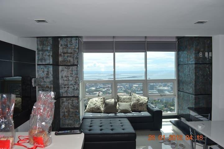 Luxury Loft Condo Gorgeous Sea View