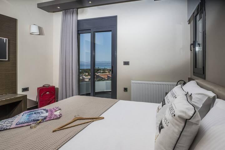 Bedroom 1 with en-suite, seaview