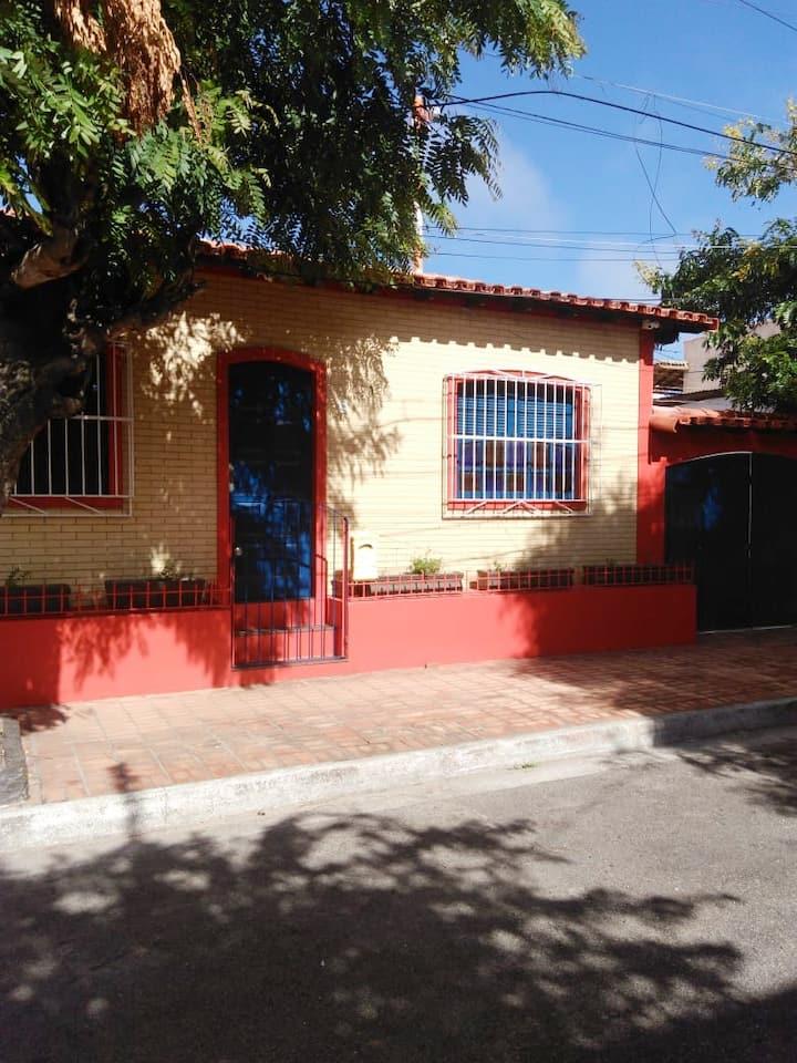 Casa Confortável/Home Office/Confortable Home!
