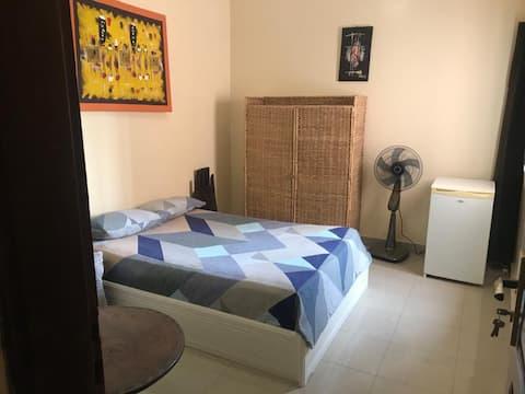Chambre individuelle avec frigo