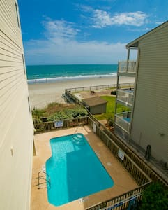 Come Smell the Ocean Air at this Amazing Beach Front Condo!Spring Special Book 6 Nights and the 7th - Murrells Inlet - Villa