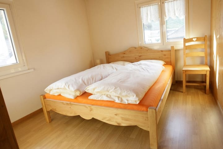 BnB-Le Centrale - 1 chbre double - Grône - Bed & Breakfast