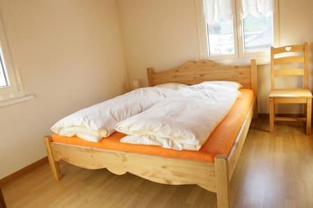 BnB-Le Centrale - 1 chbre double - Grône - Bed & Breakfast
