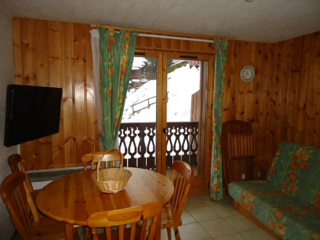 OUR505 - 1 bedroom + cabin 5 people