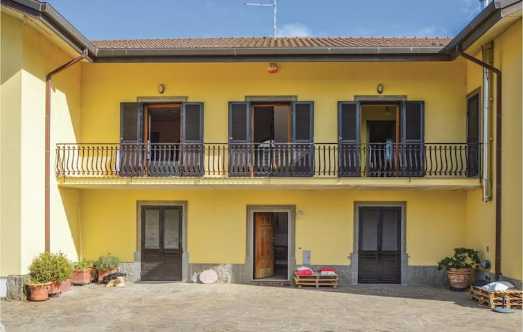 Holiday apartment with 3 bedrooms on 100 m² in Marino -RM-