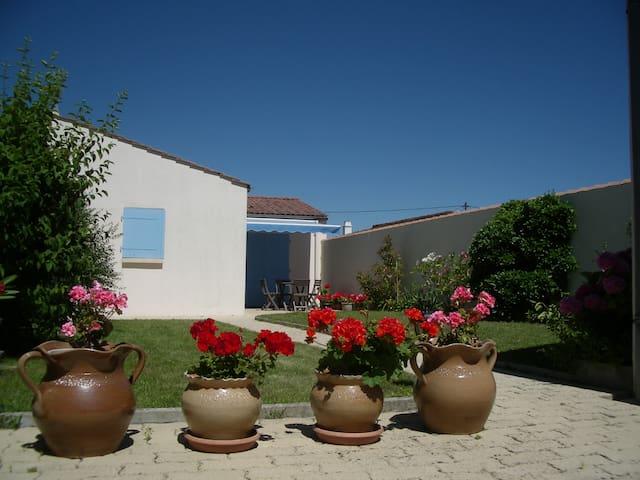 "Villa "" Sereine"" calme et lumineuse - L'Aiguillon-sur-Mer - Hus"