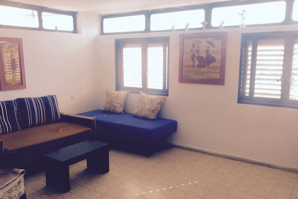 Sunshine, bright, open space. Simple and cozy. Convenient to all attractions.