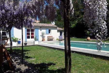 Chambre d'hôte avec piscine - Caumont-sur-Durance