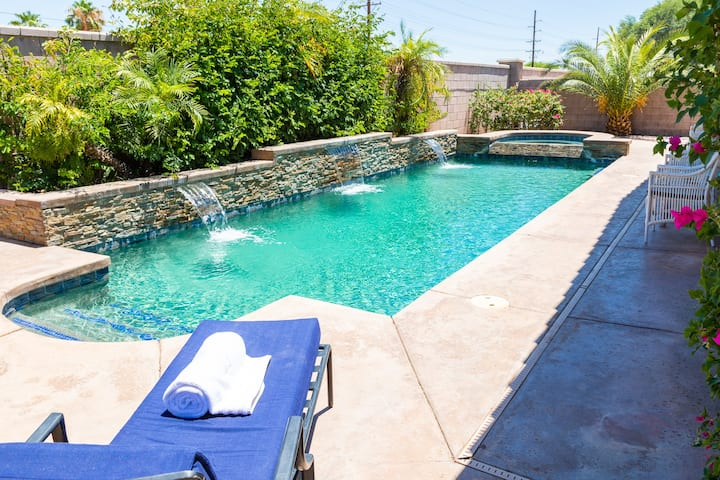NEW! Desert Getaway with Large Heated Pool & Spa