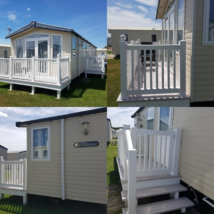 WEST ACRES family caravan, Littlesea, Weymouth