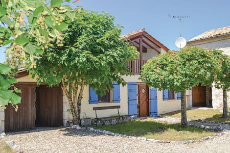 Holiday cottage with 2 bedrooms on 70m² in Plaisance