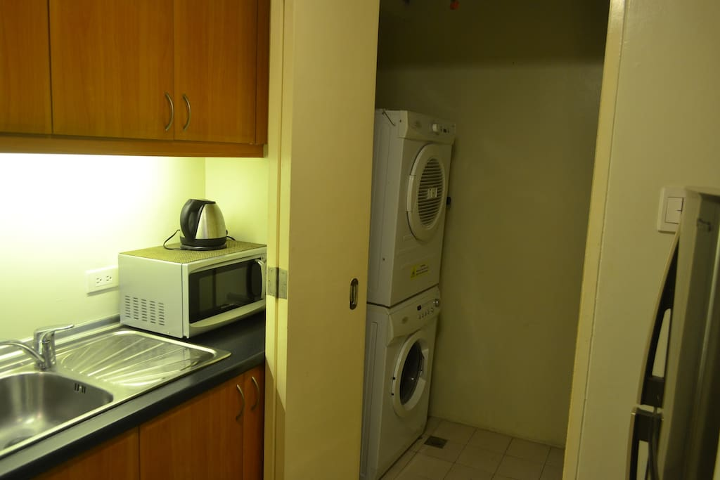 Fully equipped kitchen and washer/dryer. We have a water boiler, microwave, fridge, stove and oven-- even a rice cooker!