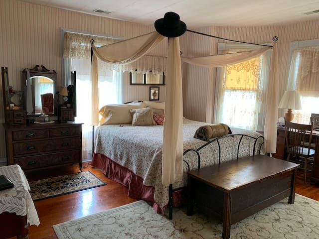 Hilty Inn Bed & Breakfast - Thornleigh Room