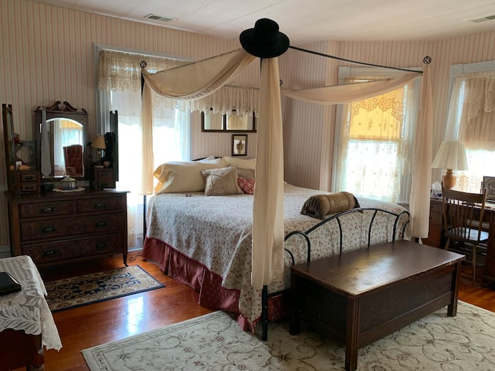 Hilty Inn Bed & Breakfast - Thornleigh Room