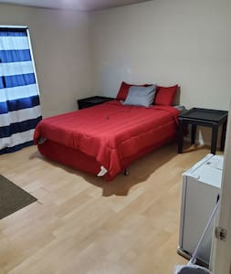 PRIVATE C ROOM / [2]SHARED BATHS ($5 CLEANING FEE)