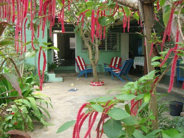 Casa Yolandita Quintero, Central, garden and WIFI.