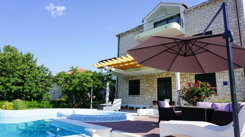 One Bedroom Apartment with a View at Villa Siga