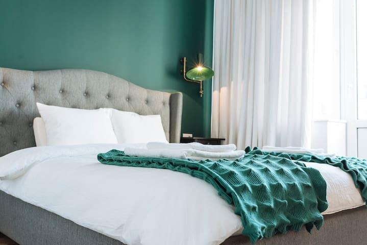 Brezoianu spacious iconic flat