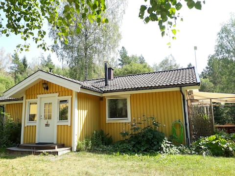 Nice house with fireplace & access to sauna