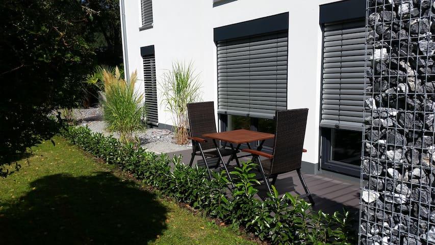 Neuwertige Komfort Ferienwohnung - Bodman-Ludwigshafen