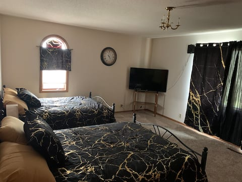 #3 Riverview large room sleeps 4 Upstairs No pets