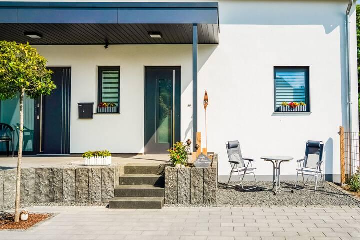 Ruim vakantiehuis in Bleialf met balkon
