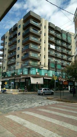 Apto top em excelente localização - São Lourenço  - Apartment