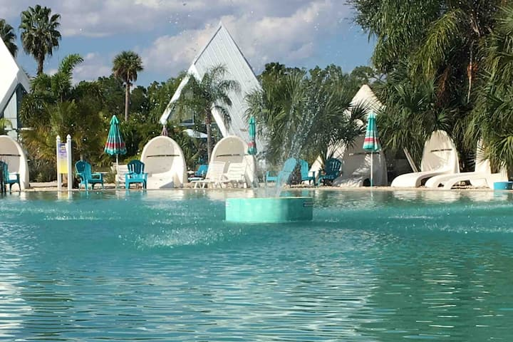 *Relaxing and Fun Pyramid Home in Ft Myers (7048)