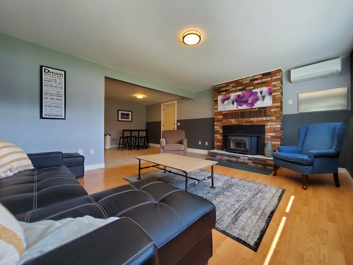 Family and pet friendly rental close to the lake