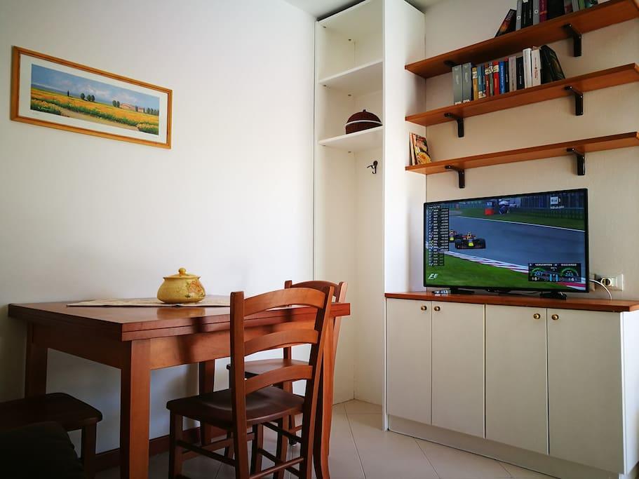soggiorno con TV 40''