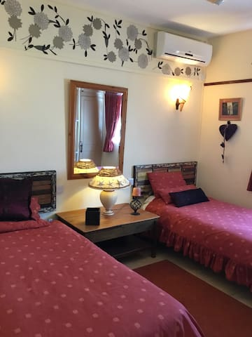 Third bedroom with 2 single bed ideal for children