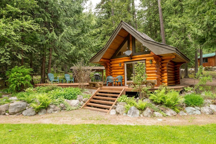 Lakefront Private Log Cabin - The Bunkhouse