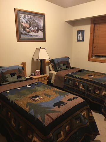 Third BR Twin Beds