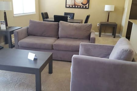 Luxury 1bd in Maple Grove! - Maple Grove - Pis