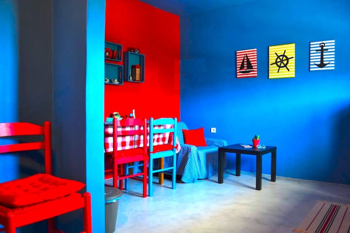 Cozy, colorful apartment in the port of Gavrio.