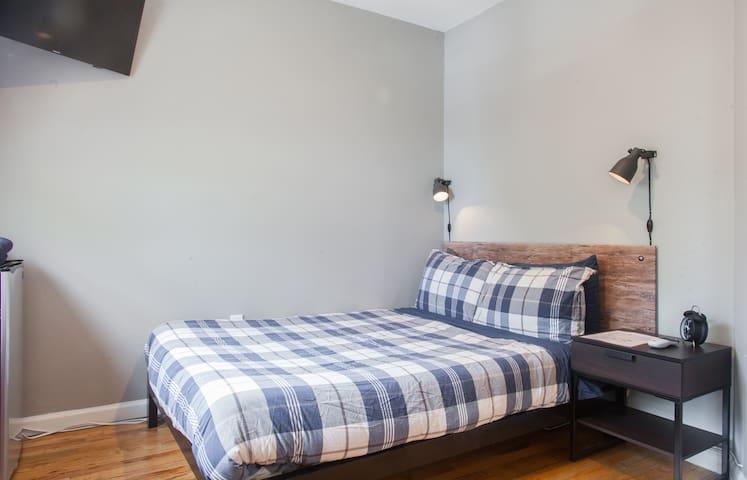 Super Comfy Convenient Room in Hip Brooklyn!!!!!