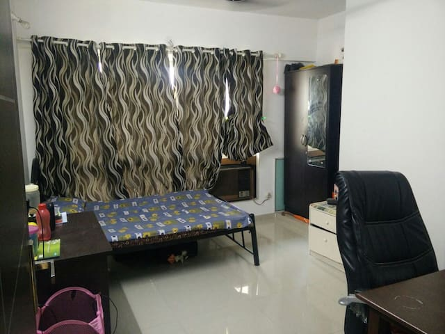 Comfortable private room near Powai - Mumbai - Apartment