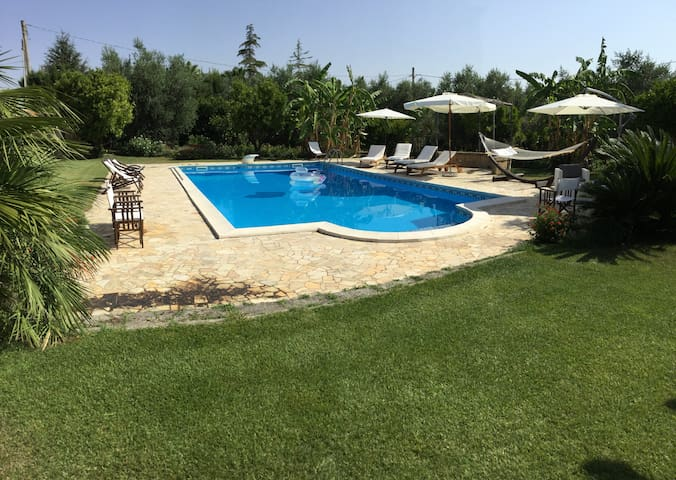 VILLA WITH POOL ARADEO 10 KM FROM GALLIPOLI