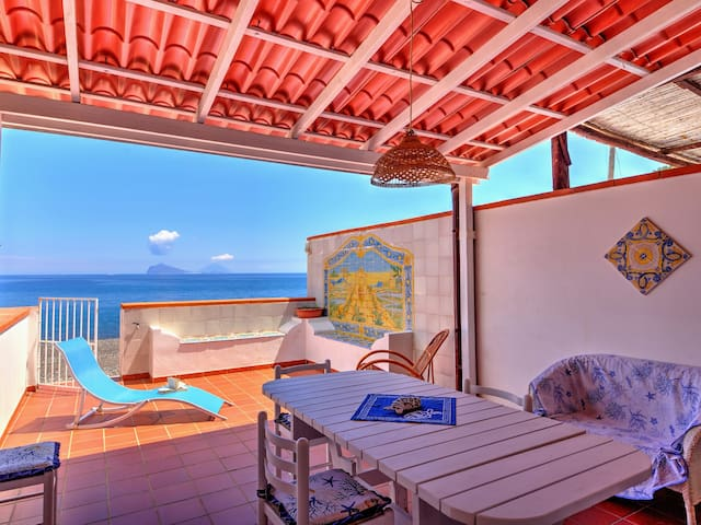 Holiday house on the beach of Canneto, Lipari