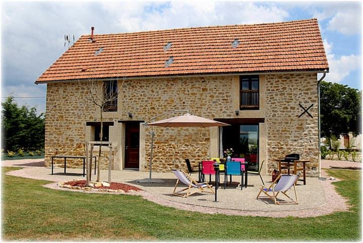 Grande maison authentique et moderne à la campagne