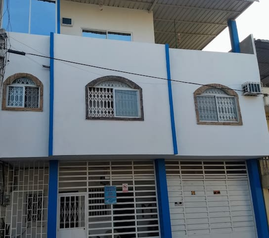 Casa en el centro de la ciudad cerca del Malecón!