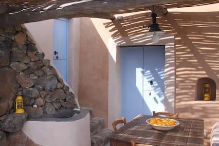 """Casa delle conchiglie """"nica"""" - Lipari - Haus"""