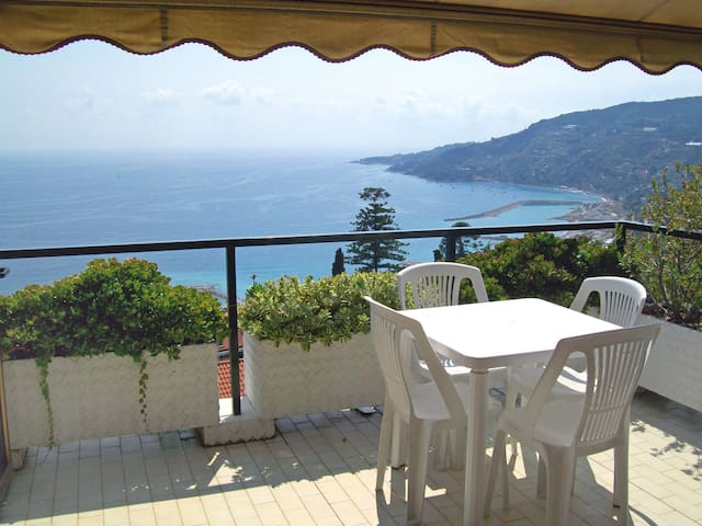 Holiday apartment Le Serre